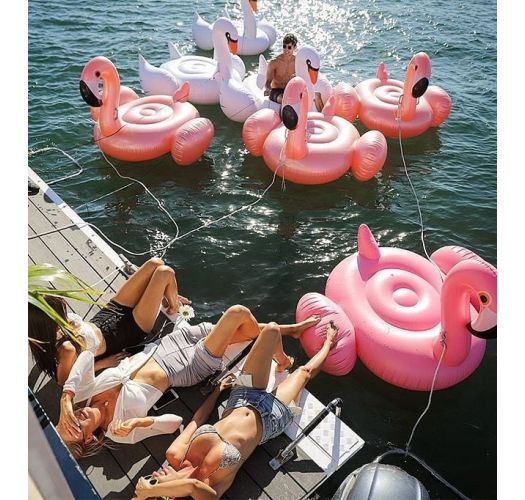 Inflatable flamingo-shaped adult float in metallic pink - LUXE FLAMINGO ROSE GOLD