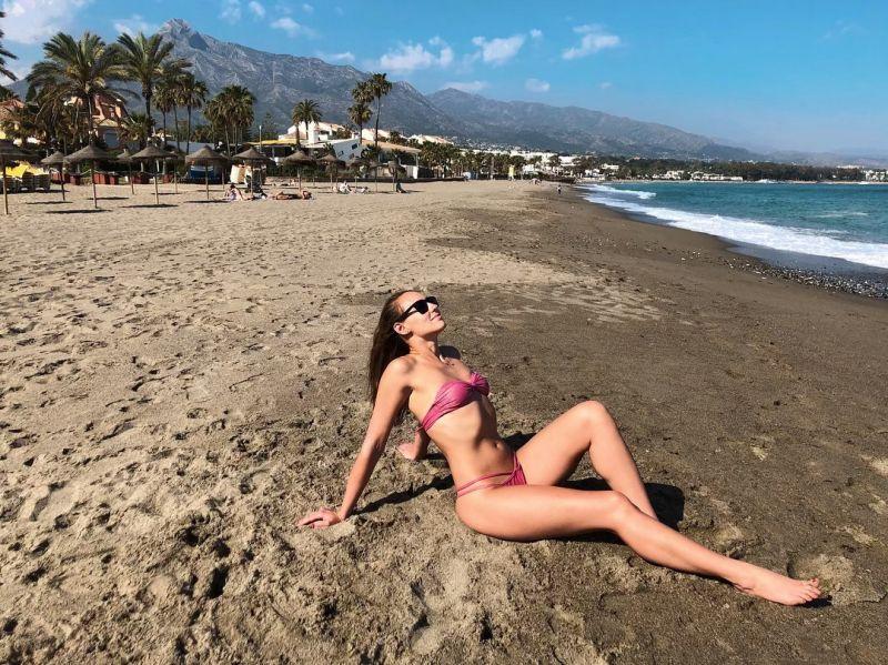 Rosa bikini med vriden bandeau övredel - RADIANTE ROSA TOMARA QUE CAIA