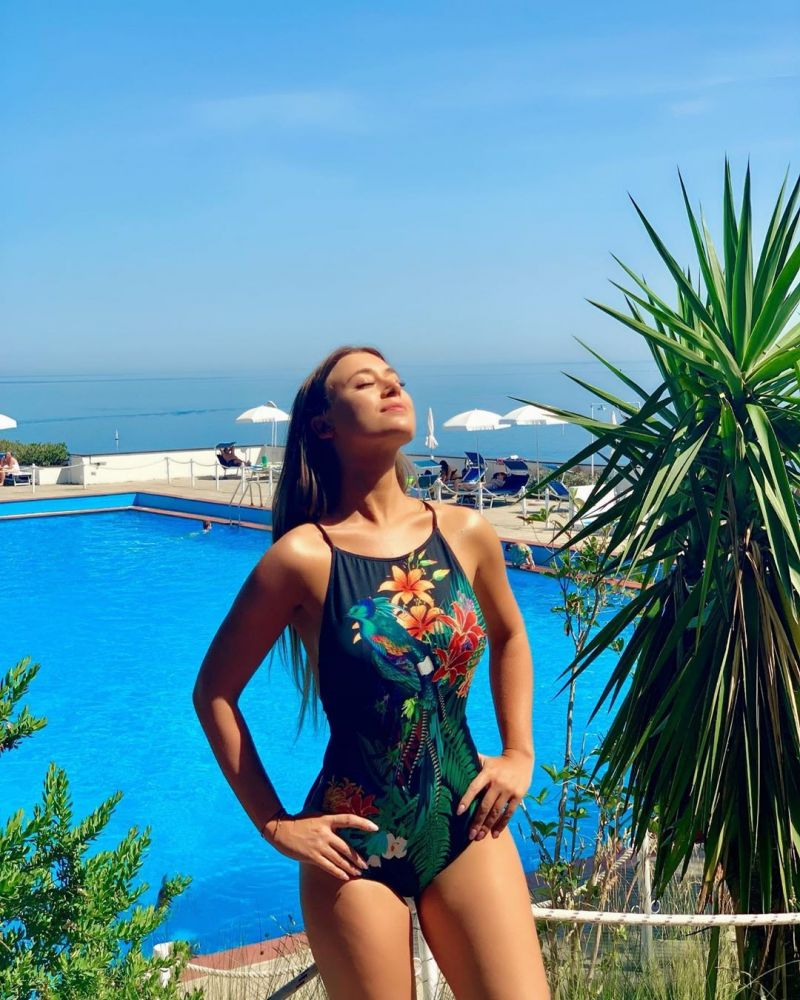 Black 1 piece swimsuit with colorful print - NADADOR REALEZA