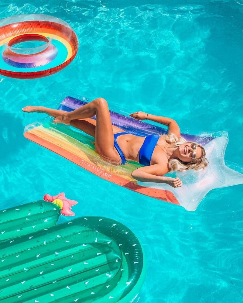 Lie-on adult buoy - star and rainbow - LUXE LIE-ON FLOAT RAINBOW