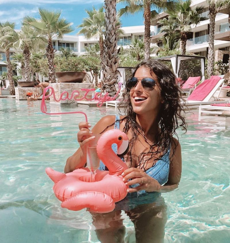 Pink flamingo-shaped water inflatable with cup holders - GROOVY FLAMINGO