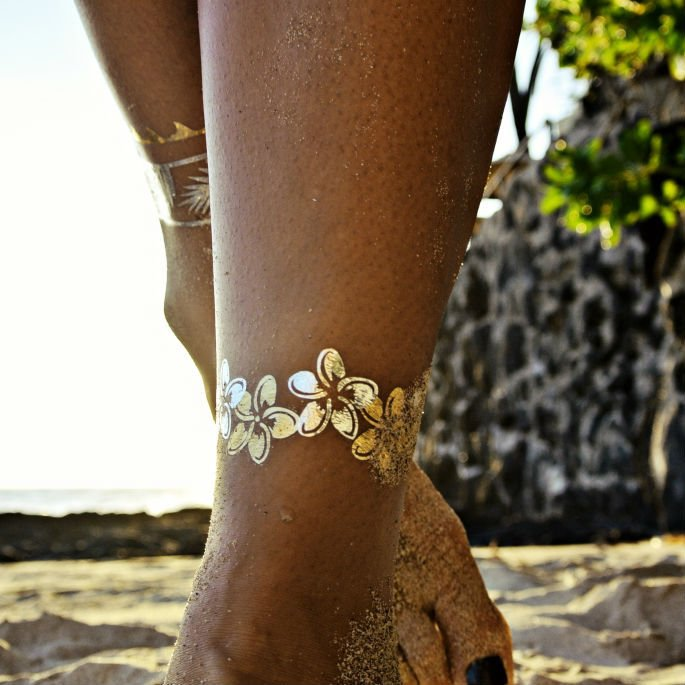 Flash tattoos gold and silver temporary tatoos beach for Temporary metallic tattoos