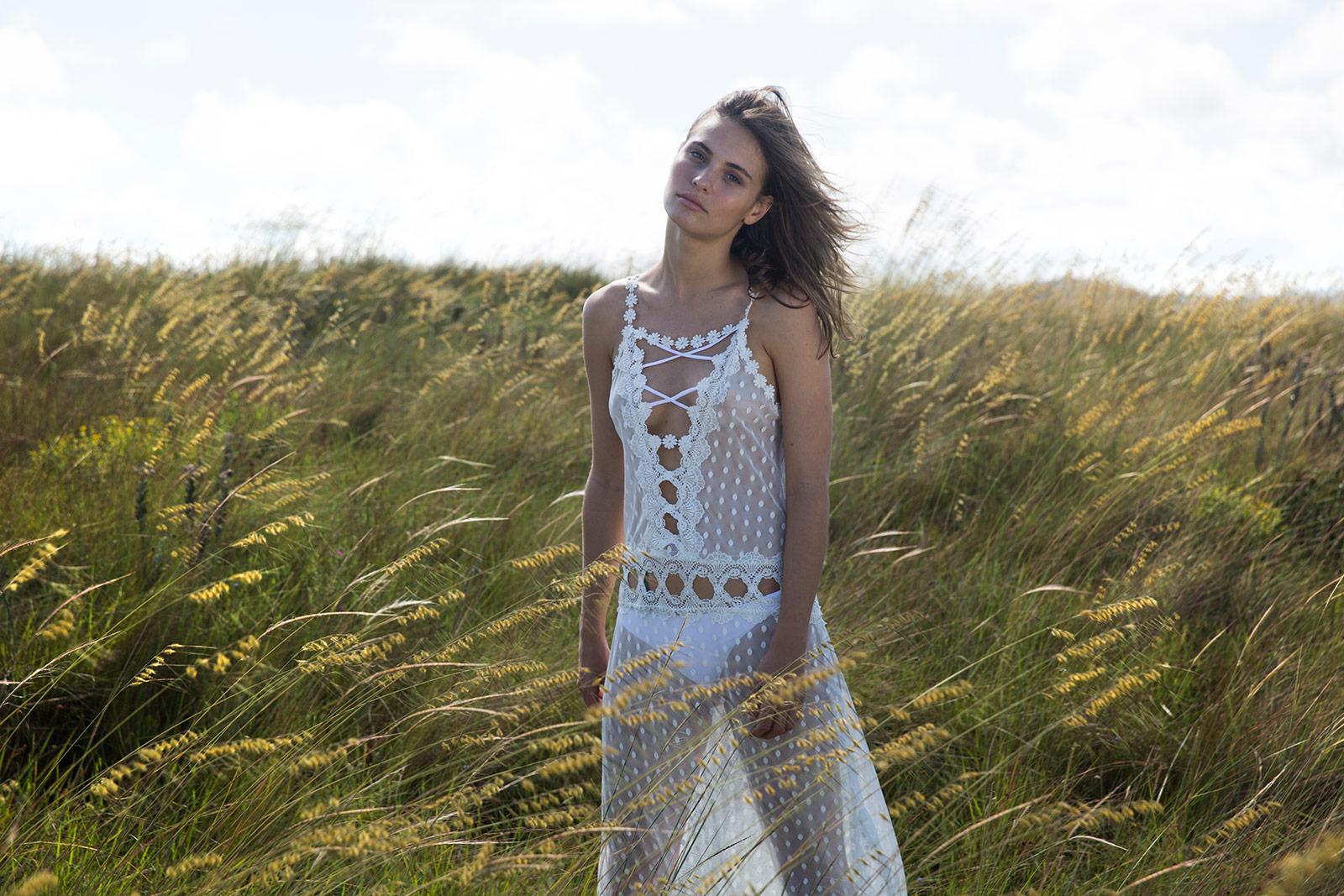 1ec6b6c51a2a Λευκό διάφανο μακρύ φόρεμα για την παραλία - NIC OFF WHITE · Λευκό διάφανο  μακρύ ...