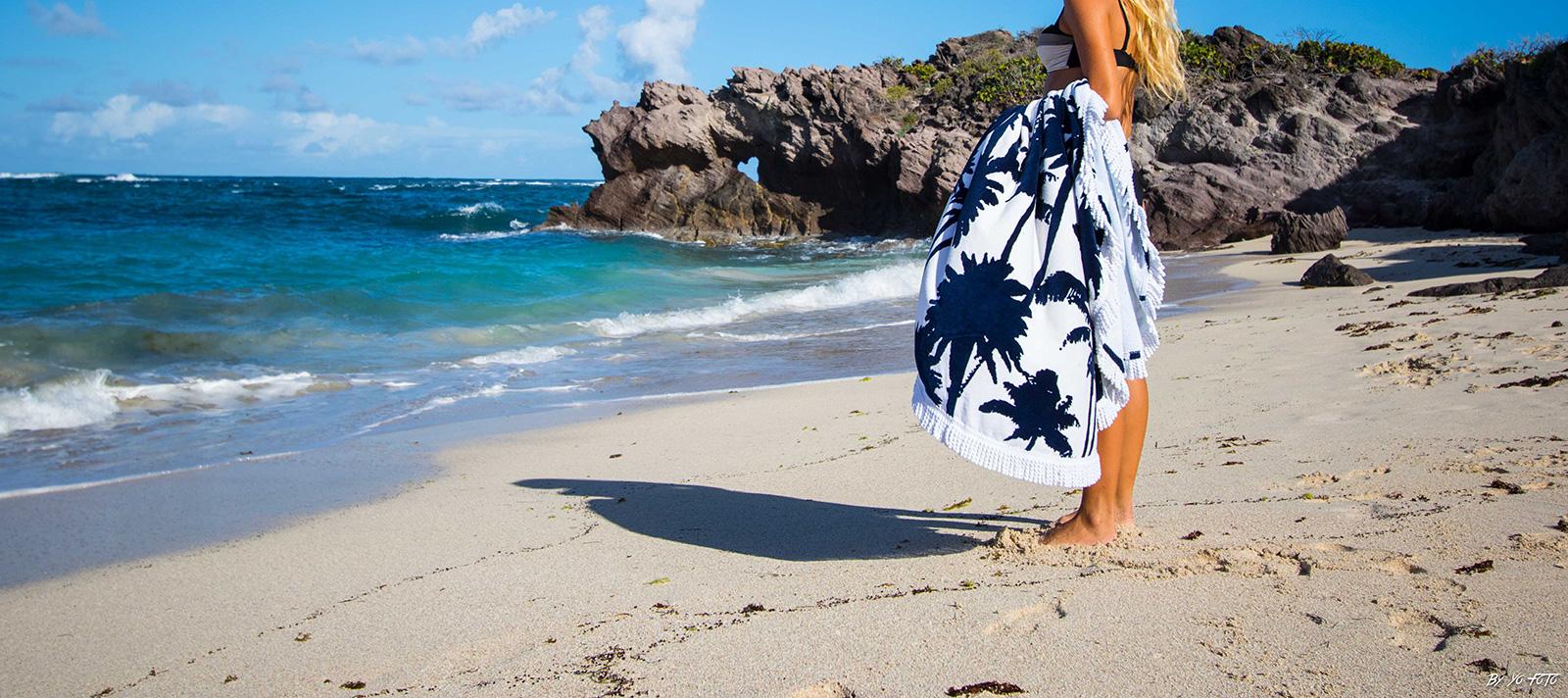 serviette de plage ronde motif palmiers drap de plage la palmeraie. Black Bedroom Furniture Sets. Home Design Ideas