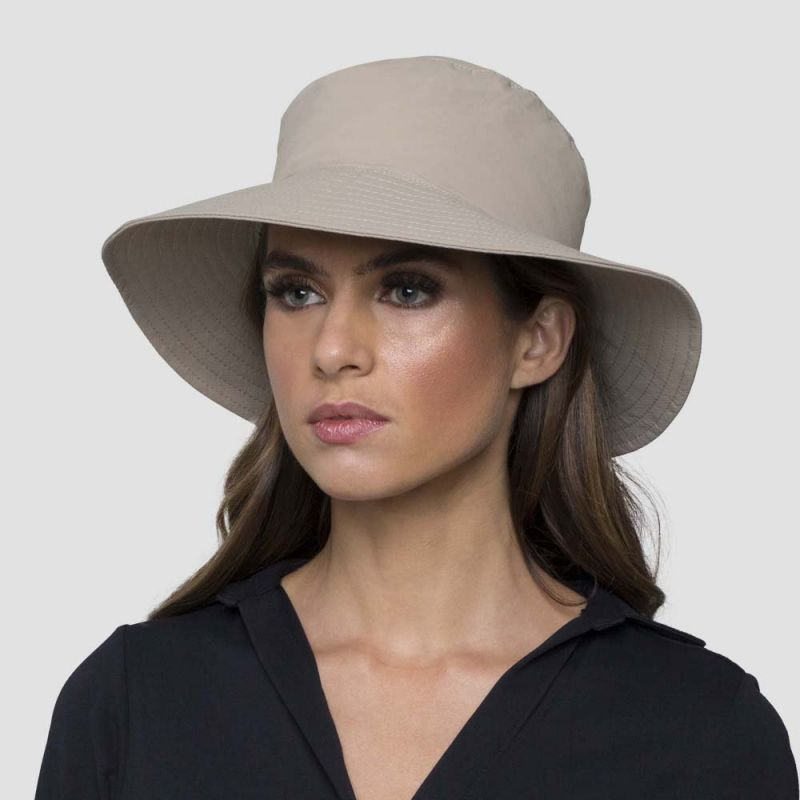 Beige elastic beach hat (for ponytail) - CHAPEU CALIFORNIA AREIA - SOLAR PROTECTION UV.LINE