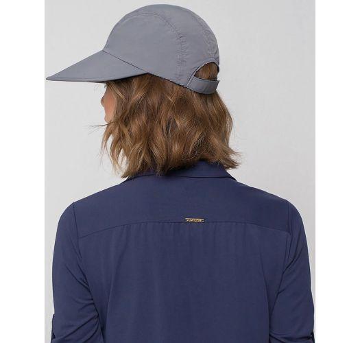 Женская кепка серого цвета с голубой эмблемой - VISEIRA CAPRI COLORS CHUMBO/PRETO - SOLAR PROTECTION UV.LINE