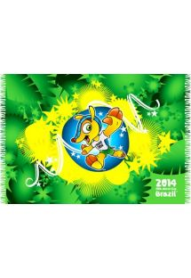 O desenho deste sarong muito na moda é uma homenagem à mascote oficial do Campeonato Mundial de Futebol de 2014. - BANDEIRA MASCOTE