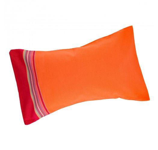 Inflatable beach cushion in an orange and pink pillowcase - RELAX CARNAC