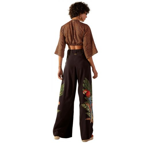 Set: black pants and brown crop top in ethnic print - SAVANA GUINE