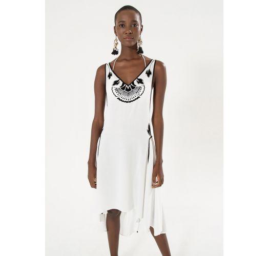 White beach dress with black motives - VESTIDO BORDADO FLOCADO