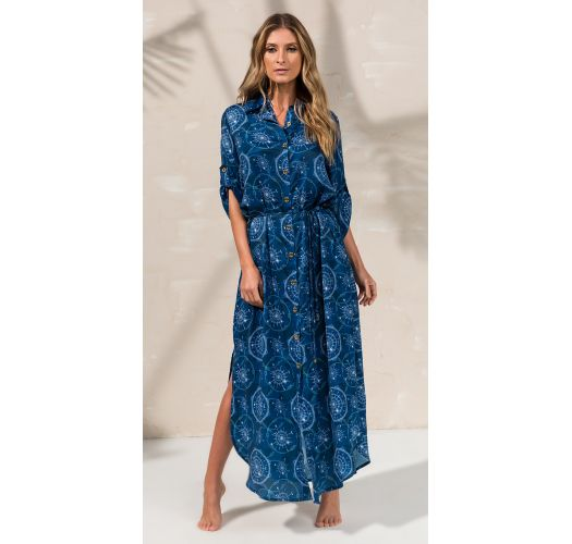 7d622d82baa8 Μακρύ φόρεμα με κουμπιά και εμπριμέ μοτίβα σε ναυτικό μπλε χρώμα - CHEMISE  MIDI