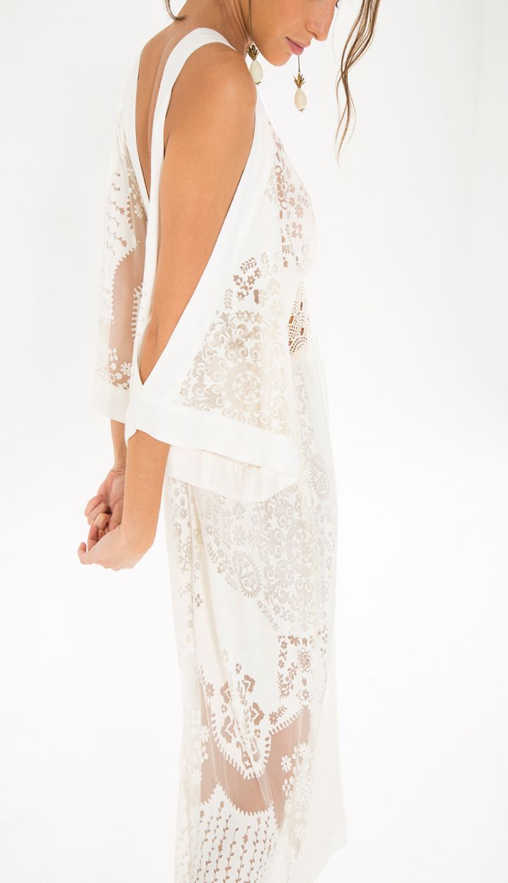 Длинное ажурное белое платье с голыми плечами - MANTRA DEVORE MIDI DRESS