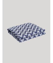 Large linen towel with sea waves print - COPACABANA LINEN TOWEL NAVY BLUE