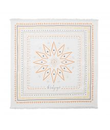 Fringed bath towel with a geometric design - THE WANDERER