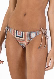 Brazilian bikini bottom in geometric print - BOTTOM CORTININHA MARCHETARIA