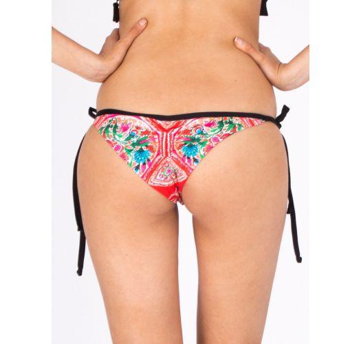 Brazilian bikini bottom with trimmed pom poms - CALCINHA PORCELANA ROSSA