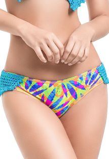 Braguita estampa multicolores y crochet azul - BOTTOM MAMBO DEL MAR