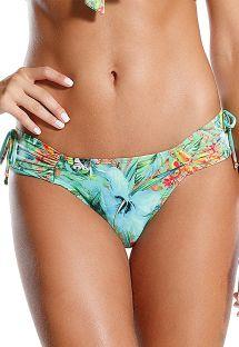 Brasilianske bikinitrusser med tropisk mønster og brede plisserede sidestykker - CALCINHA RELVA