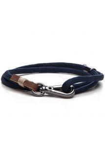 シルバーの留め具をあしらいブルーの紐で作られたメンズブレスレット LEVINE BLUE