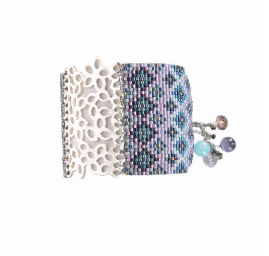 Manchette en perles bleutées, plaque ciselée - BRANCH SP 1213