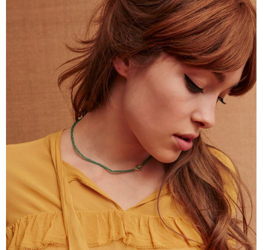 Narrow necklace in green beads with cabochon - HIPANEMA TAYA EMERALD