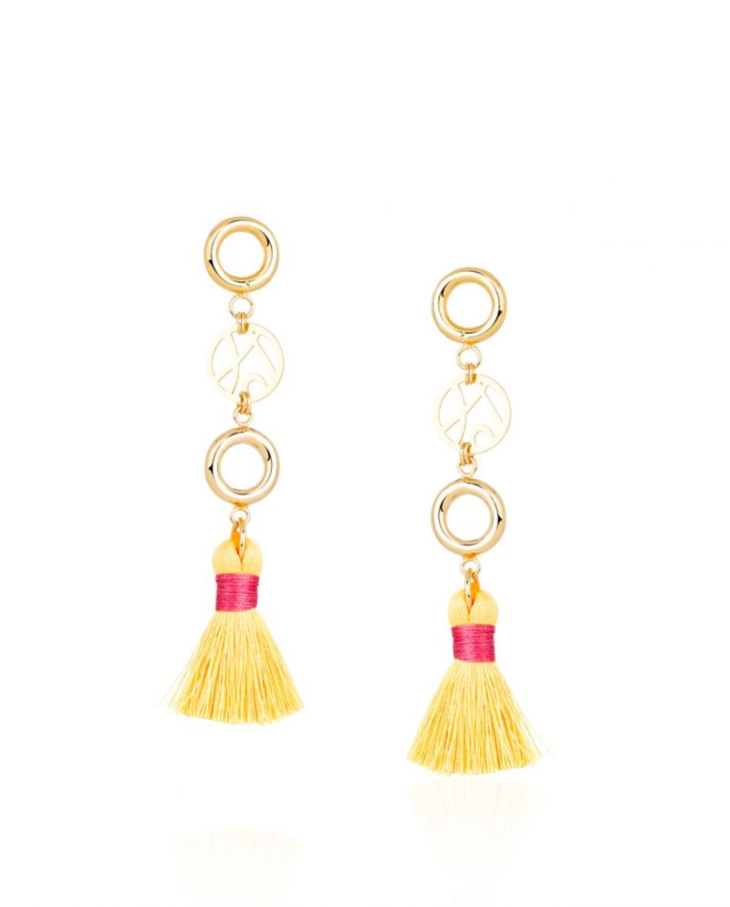 Yellow pompon pendant earrings, 8 cm - BRINCO COCAR LARANJA
