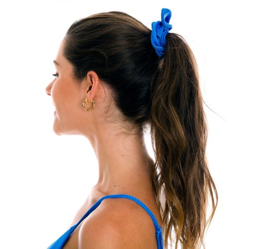 Blaues texturiertes Scrunchie-Haargummi - EDEN-ENSEADA SCRUNCHIE