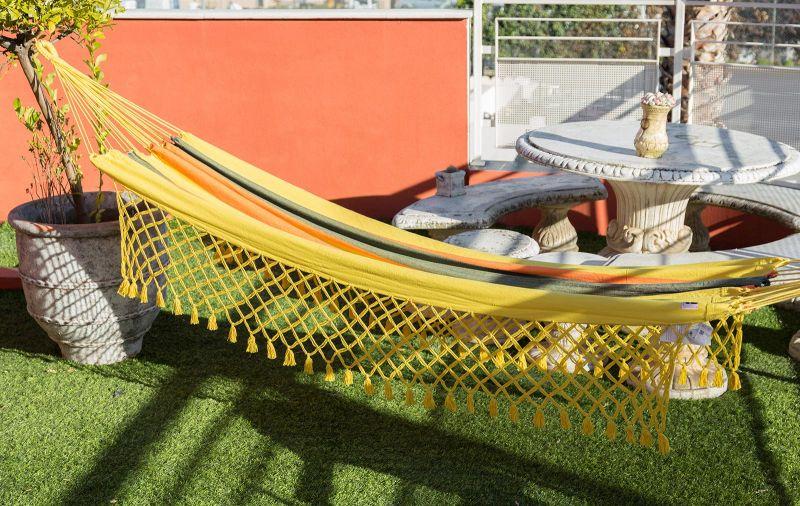 Flerfärgad hängmatta av återvunnen bomull och gul makramé, 3,8 m x 1,4 m - TAMBAU AMARELA