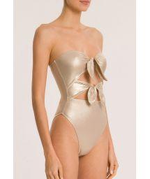 Luxus-Badeanzug in Goldmetallic mit Knoten - METALLIC STRAPLESS HIGH-LEG SWIMSUIT WITH DOUBLE KNOT