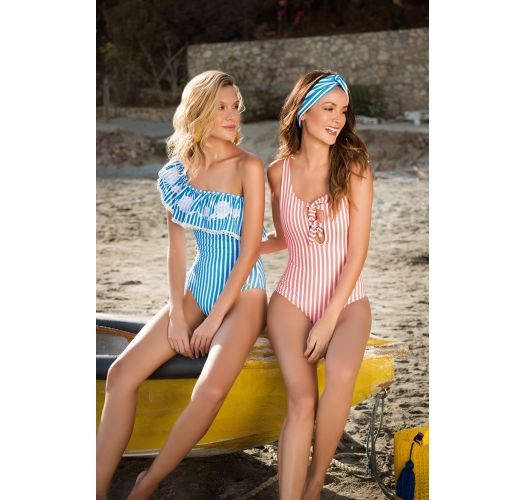 Asymmetrischer Badeanzug mit Stickerei - GEOMETRIC - STRIPES BLUE AMERICAN