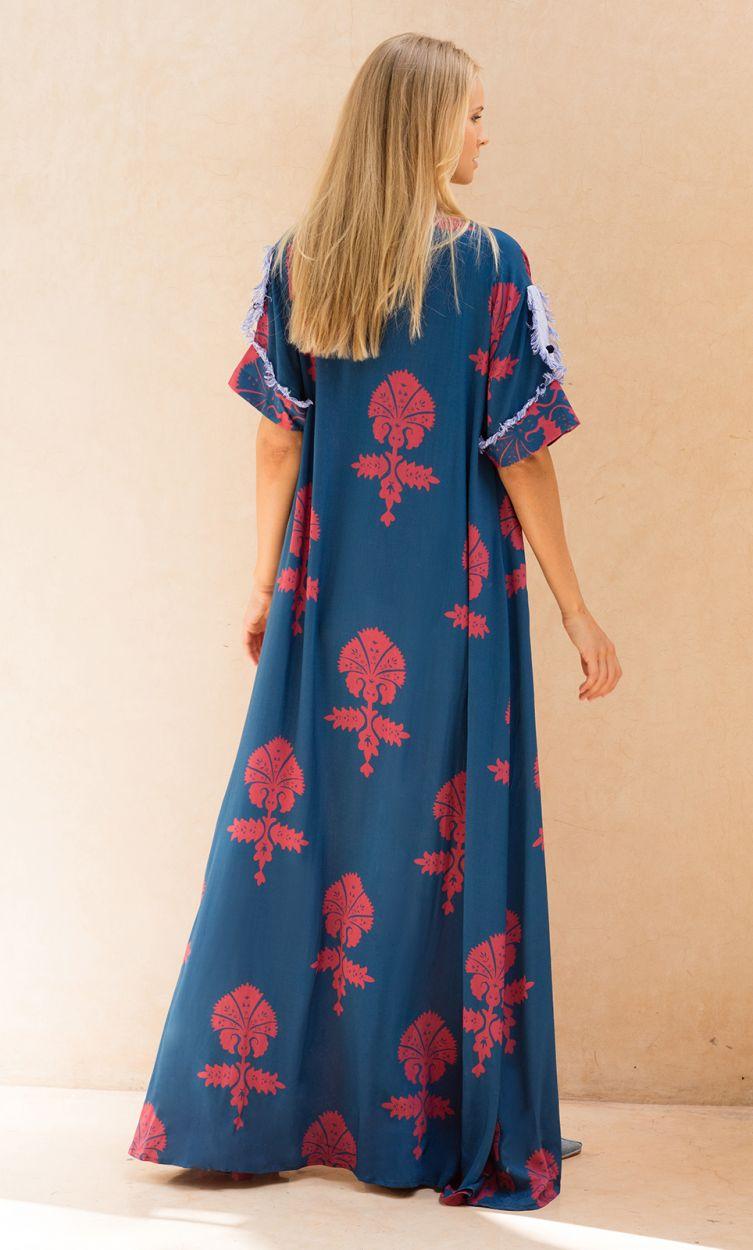 Blauer Luxus-Ethno-Kaftan mit roten Motiven - MENARA