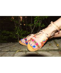 Multicoloured Wayuu handcrafted leather sandals - SANBRAZ IWA