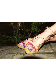 Farvestrålende håndlavede wayuu sandaler i læder- SANBRAZ IWA