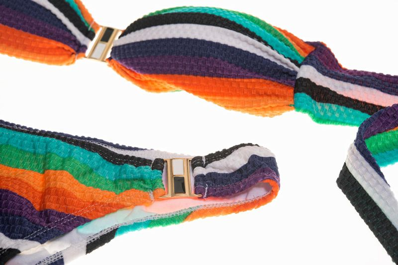 Flaunt your body in this colorful and fully lined bandeau top bikini! - CANABRAVA