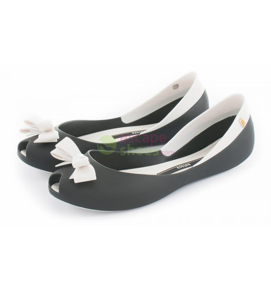 Find black and white flats at ShopStyle. Shop the latest collection of black and white flats from the most popular stores - all in one place.