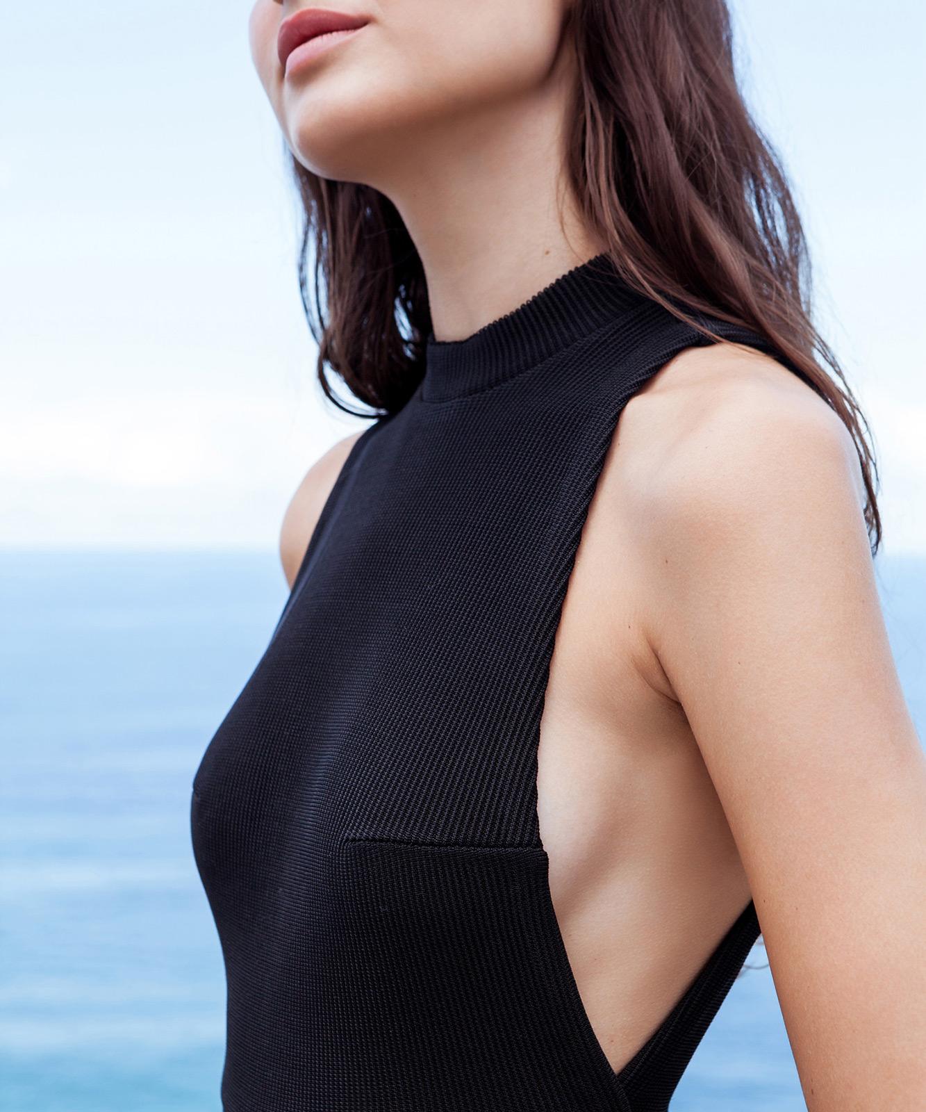 e918b570955ca ... Black tricot knit one-piece high-neck swimsuit - MAIÔ TRICOT KATE PRETO