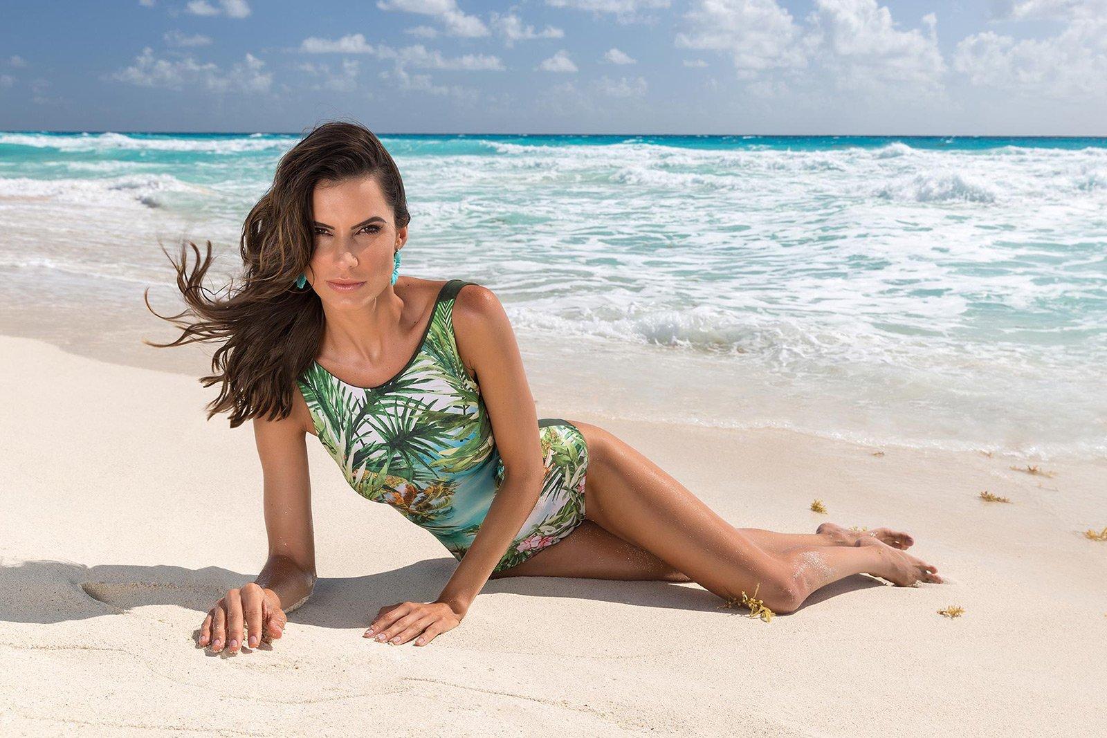 a2e5457e4d ... Tropical print one-piece swimsuit with khaki back - BODY ISLA BONTA ...