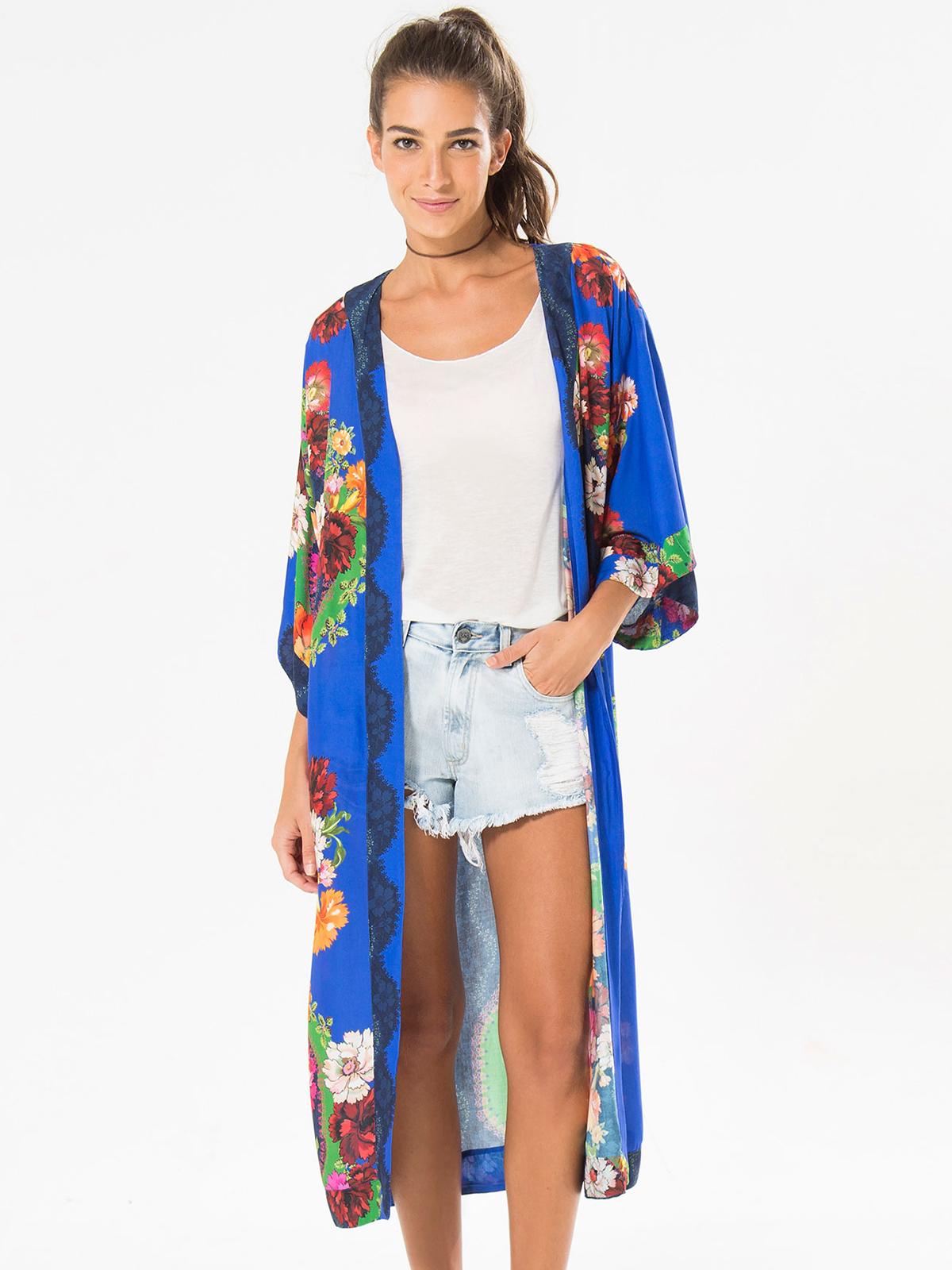 long blue kimono with colourful flowers kimono prane farm. Black Bedroom Furniture Sets. Home Design Ideas