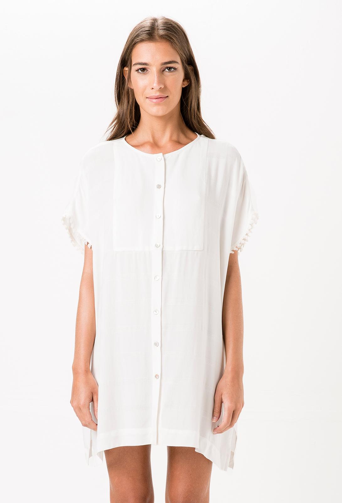 2a0341ae40e7 ... παραλία με κρόσια στις άκρες - KILAUEA  Λευκό φόρεμα-πουκαμίσα ...