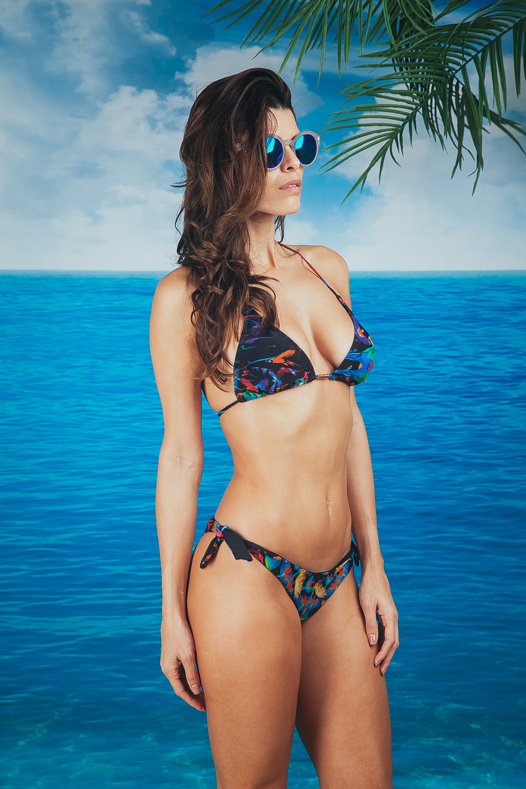 Bikini negro con fondo fruncido