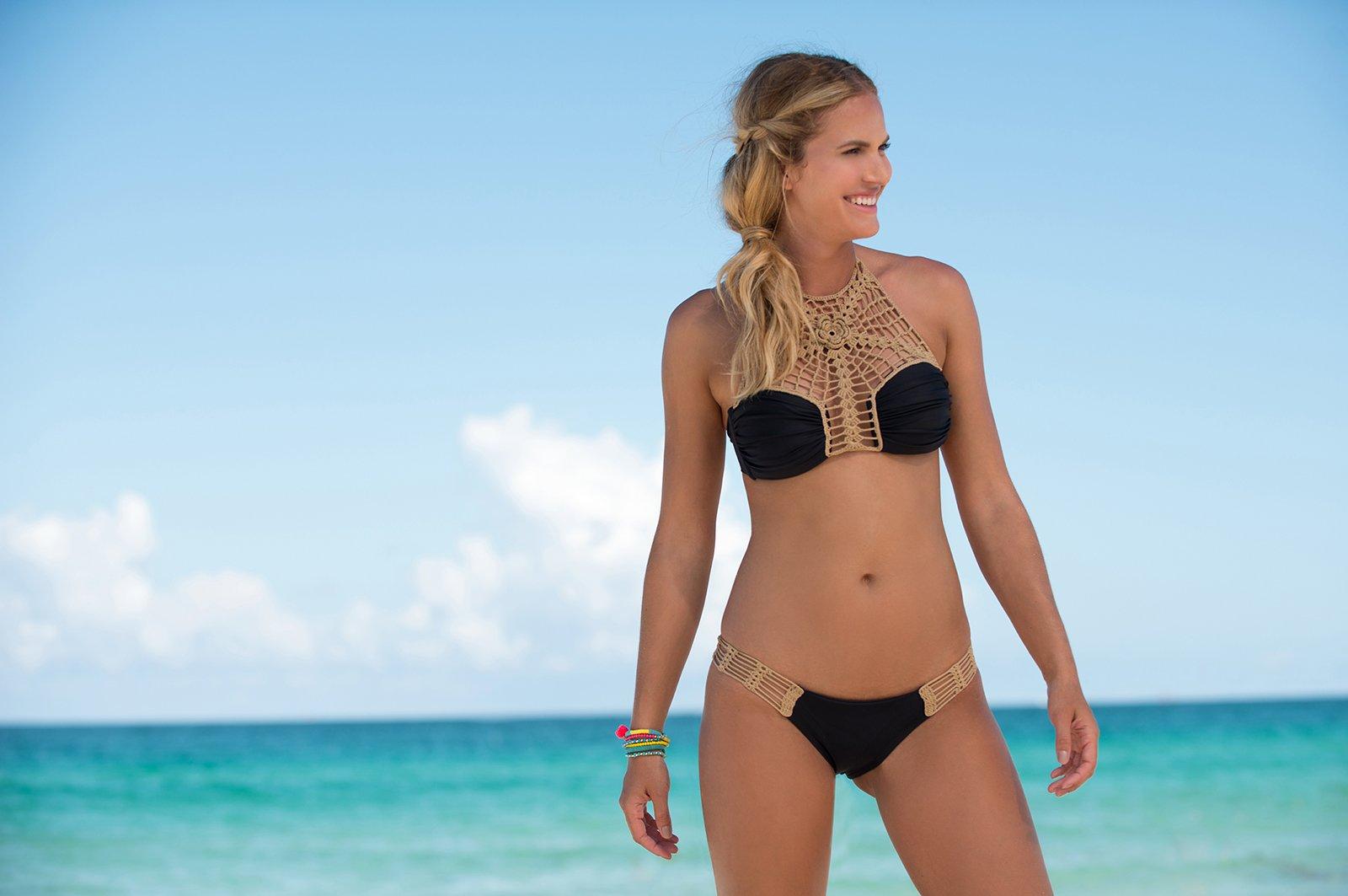 ccbdcabc01f3 Bikinier Sort Crop Top Bikini Med Hæklede Detaljer - Dhalia