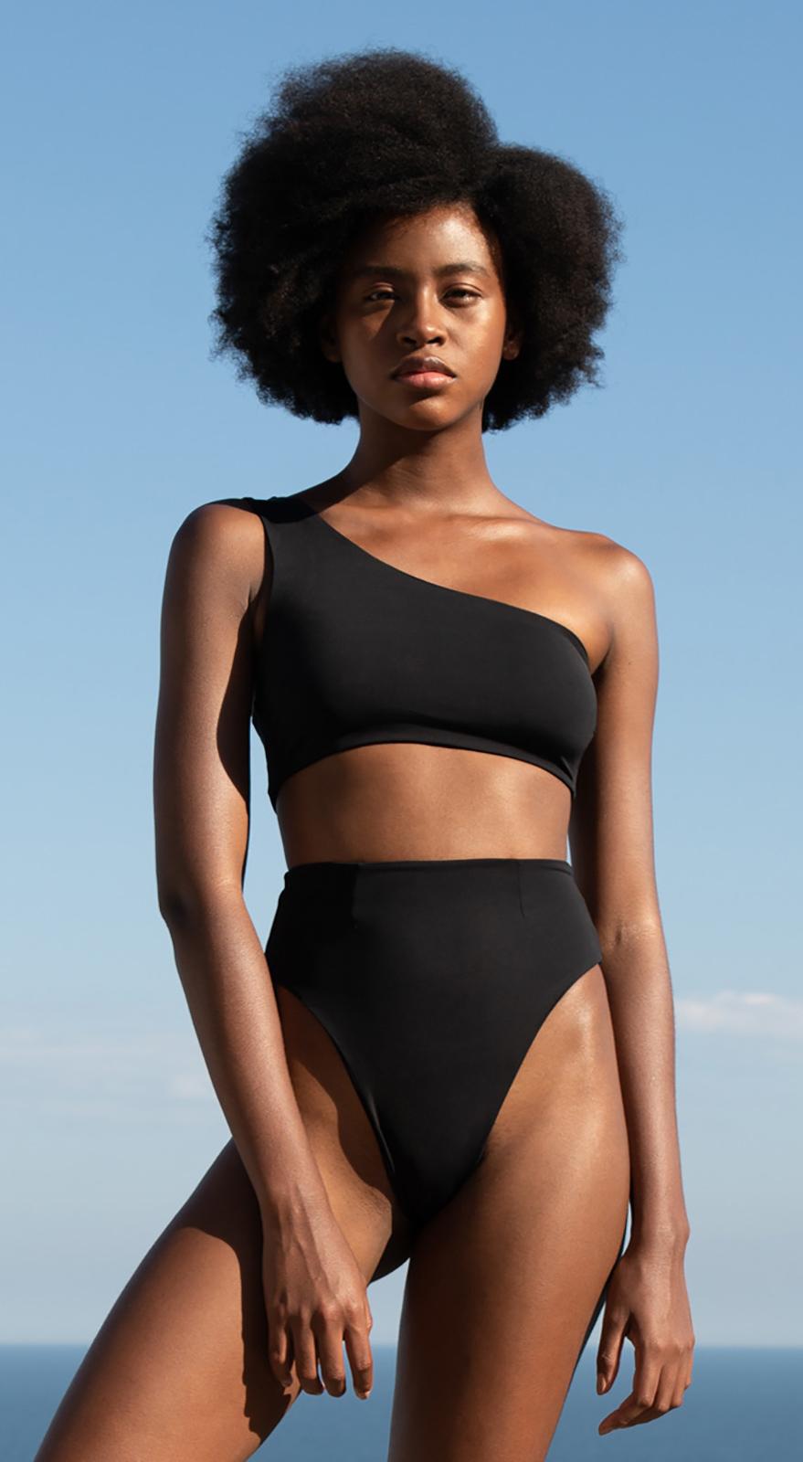 e058d0768e339 Luxurious Asymmetric Black High Leg Bikini - Crepe Perlin Bikini Preto -  HAIGHT
