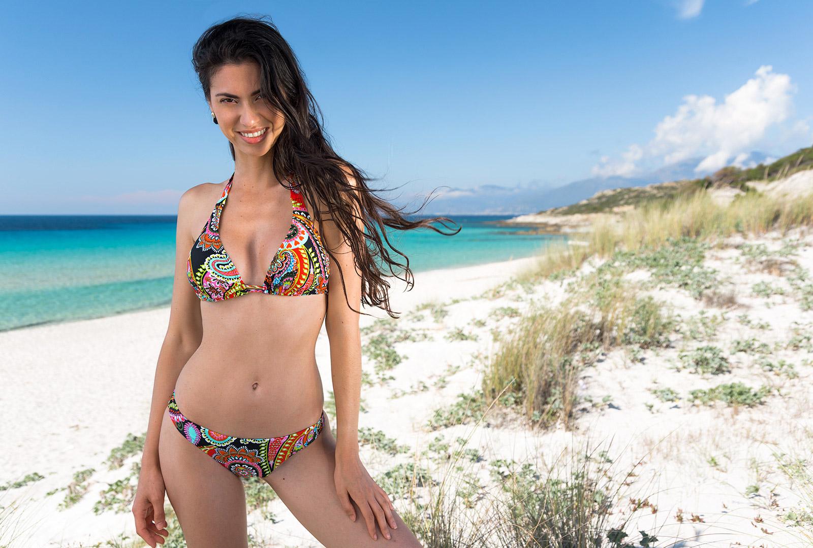 5bd55d1e8fac1 Buntes Triangle-bikini-oberteil Aus Tuch - Top Rumba Tri Halter