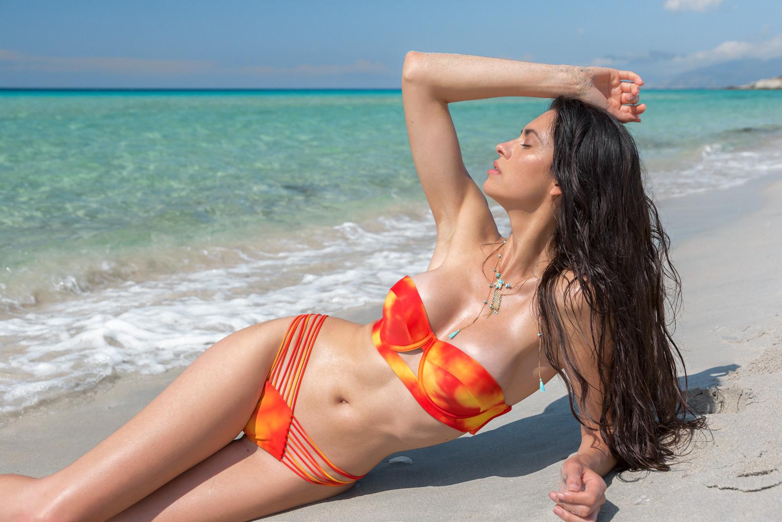 949b8a1a0 Parte de arriba de bikini Top Sol Y Arena Strappy - Marca Luli Fama